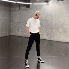 fashion mode, korean fashion men, fashion for boys, aesthetic fashion Korean Fashion Men, Fashion Mode, Aesthetic Fashion, Trendy Fashion, Mens Fashion, Fashion For Boys, Korean Men Style, Street Fashion Men, Fashion Casual