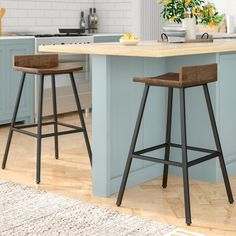 20 farmhouse bar stools to make your house look vintage and awesome! Farmhouse Interior, Modern Farmhouse Kitchens, Rustic Kitchen, Farmhouse Style, Home Decor Kitchen, Kitchen Furniture, New Kitchen, Kitchen Ideas, Kitchen Island