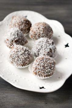 2 Ingredient Coconut Date Balls