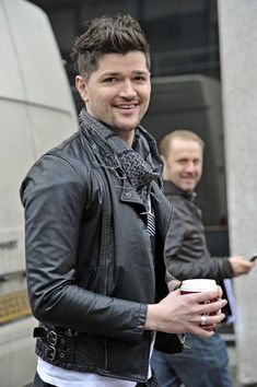 Danny O'Donoghue Photos - The Script (Danny O'Donoghue, Mark Sheehan, Glen Power) poses outside the London Studios and at times get playful with photographers. - The Script at London Studios The Script Band, Danny The Script, Music Is Life, My Music, Music Lyrics, Girls Talk Boys, Irish Rock, Danny O'donoghue, Daniel Johns