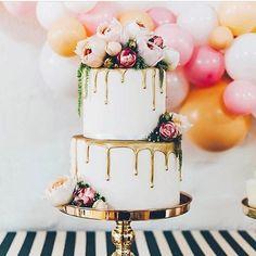 Hochzeitstorte mit echten Torten, dripped Cake, gold und rosa