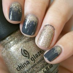 Gorgeous Navy nail polish and gold glitter accented Nails | Ledyz Fashions || www.ledyzfashions.com