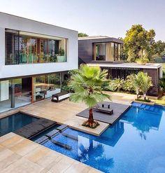 """9,643 Likes, 77 Comments - • Arquitetura, Decor & Mais (@decoremais) on Instagram: """" O queee é essa piscina??! AMEEEII !! Alguém sabe de quem é o projeto?! #inspiracaodatarde"""""""