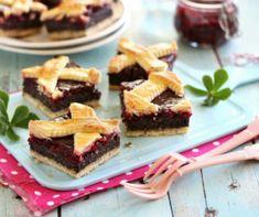 Málnás Charlotte torta Recept képpel - Mindmegette.hu - Receptek Coleslaw, Deserts, Pudding, Candy, Cookies, Recipes, Poppy, Vaj, Noel