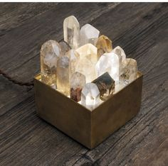 i think i can do this, i have plenty of crystals, only needthe box light. Crystal lamp box / For the crystal lover hostess Crystals And Gemstones, Stones And Crystals, Diy Crystals, Keramik Design, Deco Design, Crystal Healing, Quartz Crystal, Clear Quartz, Rose Quartz