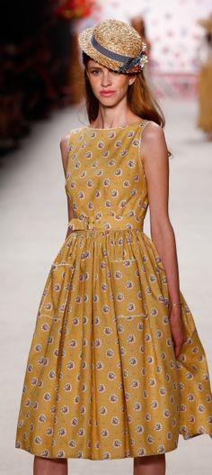 170 besten Kleider Bilder auf Pinterest in 2018 | Gowns, Letizia ...