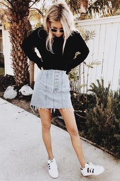 Stylish Everyday Outfits To Get You Through The Rest Of Summer - Denim skirt with black sweater Source by sgastl - Other Outfits, Mode Outfits, Fashion Outfits, Womens Fashion, Fashion Hacks, Fashion Tips, Fashion Trends, Denim Skirt Outfits, Denim Skirts