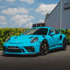 Romans are pleased to offer this Porsche 911 Rs for sale presented in Miami Blue with Black Leather & Alcantara. Luxury Sports Cars, Exotic Sports Cars, Best Luxury Cars, Sport Cars, Porsche 911 Targa, Porsche Carrera, Porsche Singer, Porche Car, Muscle Cars