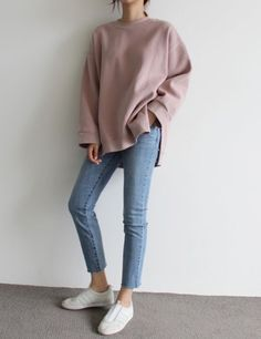 Oversized shirt with a pair of light blue jeans ❤ chic branché, light jeans Indie Outfits, Korean Outfits, Casual Outfits, Fashion Outfits, Jeans Fashion, Casual Wear, Fashion Mode, Asian Fashion, Look Fashion