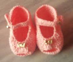 Resultado de imagem para enfeites de croche para sapatinho de bebe