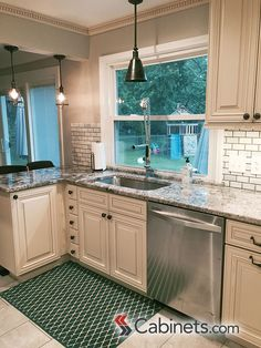 Sunset Maple Creme Glaze Photo Gallery | Cabinets.com By Kitchen Resource  Direct