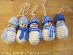 mini snowmen ornament - free pattern