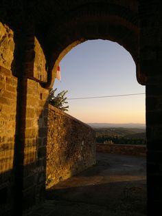 Medieval door, Chianti, San Gusmè