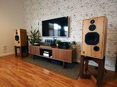 future home diy Turntable Setup, Sound Room, Vinyl Room, Audio Design, Audio Room, Interior Decorating, Interior Design, Room Setup, Furniture Design