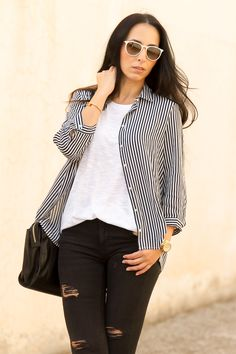 Striped Shirt  More pics and details: http://www.withorwithoutshoes.com/2014/11/camisa-rayas-blanco-negro-stripped-shirt.html  #black #white #stripes #striped #casual #denim #erika #rayban