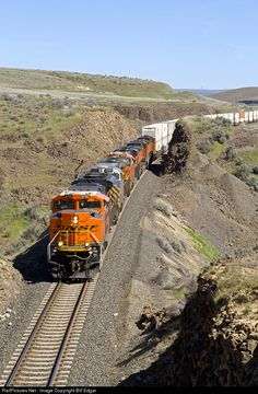 RailPictures.Net Photo: BNSF 8750 BNSF Railway EMD SD70ACe at Crescent Bar, Washington by Bill Edgar Railroad Photography, City Photography, Landscape Photography, Trains, Bnsf Railway, Visit Chicago, Burlington Northern, Train Pictures, Nyc Subway
