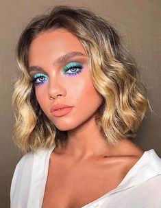 Wavy Attractive Short Hairstyles ❤️ Are you curious to find out creative ideas of exquisite blunt bob hairstyles? Have a look at our collection and get inspired! makeup looks 18 Blunt Bob Hairstyles to Wear This Season Makeup Eye Looks, Creative Makeup Looks, Cute Makeup, Makeup For Eyes, Makeup For Blue Eyes, Cute Eyeshadow Looks, Teal Eye Makeup, Mint Makeup, Party Eye Makeup