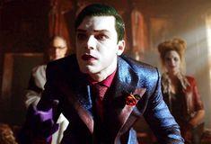 Gotham Tv Series, Jerome Valeska, Cameron Monaghan, Joker Cosplay, Daddy, It Cast, Photoshop Ideas, Batman, Twins
