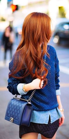 Auburn / red hair colour - not sure if I can pull this off but it's gorgeous on her...hahaha