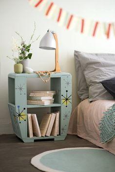 Upcycling et DIY déco : peindre une table de nuit pour lui donner une seconde vie