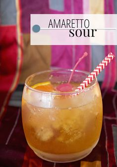 amaretto sour how to make ; amaretto sour with sweet and sour ; amaretto sour recipe how to make ; amaretto sour recipe with sweet and sour Party Drinks, Cocktail Drinks, Fun Drinks, Cocktail Recipes, Mixed Drinks, Fruity Drinks, Cocktail Ideas, Refreshing Drinks, Cold Drinks