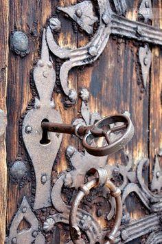 "keys and locks.....so interesting, reminds me of ""The Secret Garden"" movie"