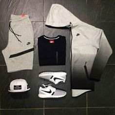 it's a guy's outfit but i would still wear it not the hat though Sport Fashion, Teen Fashion, Fashion Models, Fashion Trends, Runway Fashion, Nike Outfits, Casual Outfits, Fitness Outfits, Nike Tech Fleece