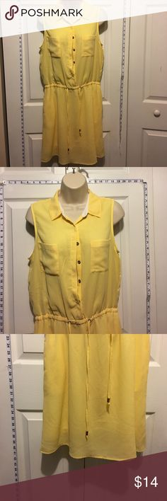 30% Off Bundles Beautiful Yellow Summer Dress Great condition. No marks or stains. Add three more items to your bundle for 30% off. Young Threads Dresses