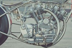 Awesome! Royal Enfield Bobber The Musket by Hazan Motorworks #motorcycles #bobber #motos | caferacerpasion.com
