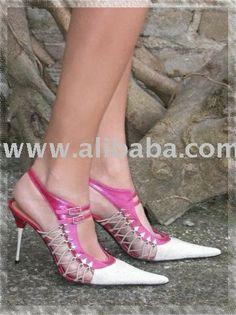 Italian Shoes Designer. Italian designer of: Shoes, HandBags, Belts