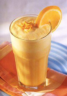 Orange Julius Recipe for Orange Julius Copy Cat - At one of our brunches, Housewife Tari made THE. drink- a knock off of an Orange Julius. Even if summer never gets here, it's time for one of these! Summer Drinks, Fun Drinks, Healthy Drinks, Beverages, Healthy Desserts, Healthy Food, Smoothie Drinks, Juice Smoothie, Smoothie Recipes
