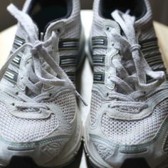 Those old running shoes won't last forever. Learn how to spot the signs that it's time for a new pair.