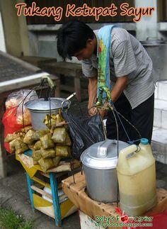 ketupat sayur seller