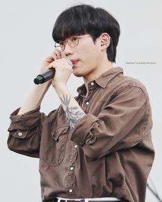 Boyish Outfits, Kpop Tattoos, Nct Winwin, Cute Asian Guys, Korean Entertainment, Asian Men, Mom And Dad, Cute Boys, Korean Fashion