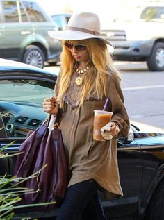 Pregnant celebrity stylist Rachel Zoe stops by Tom's Toy Store in Beverly Hills, California on September 24, 2013.