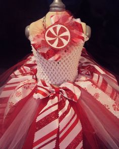 Peppermint Candy Tutu: Perfect for Christmas photo shoot pageant wear special occasion or just for fun Christmas Tutu Dress, Girls Christmas Dresses, Christmas Birthday Party, Christmas Party Outfits, Tutus For Girls, Diy For Girls, Pageant Wear, Christmas Photos, Christmas Ideas