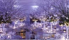 Want to make your nice wedding a WOW wedding opt for grand centerpieces and lighting!