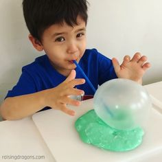 Slime Bubbles – fun kids sensory activity Slime bubbles are so fun and great for developing oral motor skills as well as a fantastic sensory activity! Bubble Activities, Oral Motor Activities, Toddler Learning Activities, Therapy Activities, Preschool Activities, Preschool Kindergarten, Bubbly Slime, Bubble Fun, Science Experiments Kids