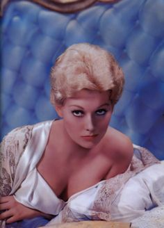 Painting - Kim Novak, Vintage Movie Star by Esoterica Art Agency , Classic Actresses, Female Actresses, Beautiful Actresses, Actors & Actresses, Female Celebrities, Celebs, Hollywood Walk Of Fame, Hollywood Actor, Hollywood Actresses