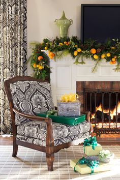 Suzy q, better decorating bible, blog, Christmas, holiday, ideas, décor, citrus, lemons, mandarin, oranges, hang them, thumb tacks, ribbon, how to, theme, yellow, orange, gold, home, cozy, garland, mantel, tree (3)