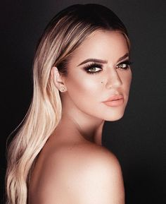 Second chance to get my limited edition KoKo Kollection lip kit TODAY at 2pm!! I'm wearing Khlo$  @kyliecosmetics