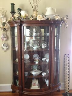 Antique Duncan Phyfe Mahogany Corner China Cabinet | Duncan Phyfe, Corner  China Cabinets And China Cabinets