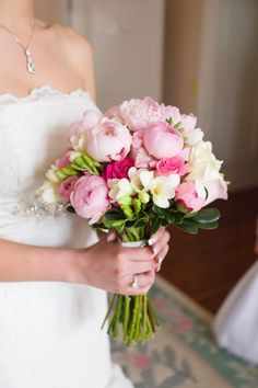 peony and freesia bouquet Bridal Flowers, Flower Bouquet Wedding, Floral Wedding, Luxe Wedding, Fall Wedding, Wedding Ideas, Wedding Flower Arrangements, Floral Arrangements, Flower Centerpieces