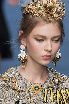 Modna biżuteria [wiosna-lato 2016], Dolce & Gabbana, fot. Imaxtree