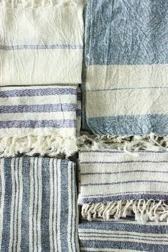 blue and white table linens and tea towels - teares 2 pedais Ticking Fabric, Linen Fabric, Blue And White Fabric, Linens And Lace, Fabric Textures, Table Linens, Home Textile, Tea Towels, Weaving