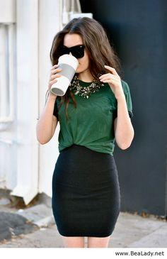 chic classic look fashion outfit Fashion Mode, Work Fashion, Fashion Beauty, Womens Fashion, Office Fashion, Fashion Ideas, Cheap Fashion, Latest Fashion, Skirt Fashion