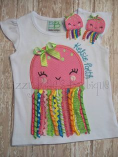 Sewing For Kids, Baby Sewing, Baby Bibs Patterns, Bib Pattern, Baby Girl Dresses, Diy Fashion, Sewing Crafts, Kids Outfits, Little Girls