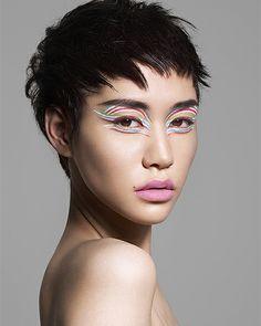 edgy, graphic, flamboyant eye look by kakuyasu uchiide for shu uemura. but i'm looking at the hair Flamboyant, One Drop, Light Camera, Natural Curves, Makeup Inspiration, Makeup Ideas, Hair Art, Pixie Cut, Mix Match