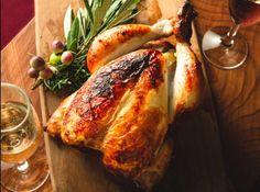 """ご家族やホームパーティーなどでお楽しみいただける丸鶏使用のホールサイズ(約4人前)と、ハーフサイズ(約2人前)をご用意いたします。""""おうちクリスマス""""の食卓を彩る、ラ・ボエム自慢の自家製クリスマスローストチキンをお楽しみください。 Turkey, Meat, Dining, Food, Turkey Country, Essen, Meals, Yemek, Eten"""