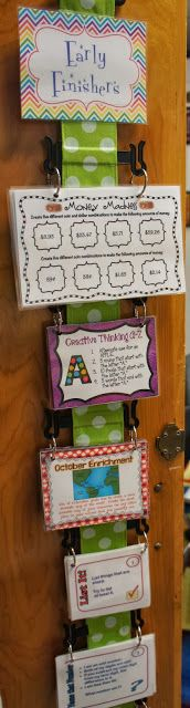 "Early Finisher Task Cards ~ ""I have my flipflop holder hanging on a hook on a cabinet door in my classroom. I punched a set of holes in each task cards and hooked then together with a ring. I then placed the rings on the notches on the flip flop holder. Classroom Behavior, Future Classroom, School Classroom, Classroom Activities, Classroom Ideas, Anchor Activities, It Management, Classroom Management, Behavior Management"